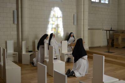 Soutien spirituel : Les sœurs à votre écoute pour recevoir vos intentions de prière : c'est toute la communauté qui la confiera au Seigneur.
